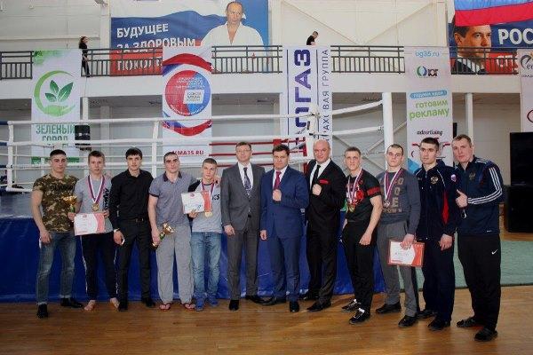 По итогам состязаний чемпионами турнира в своих весовых категориях стали четыре курсанта ВИПЭ ФСИН России