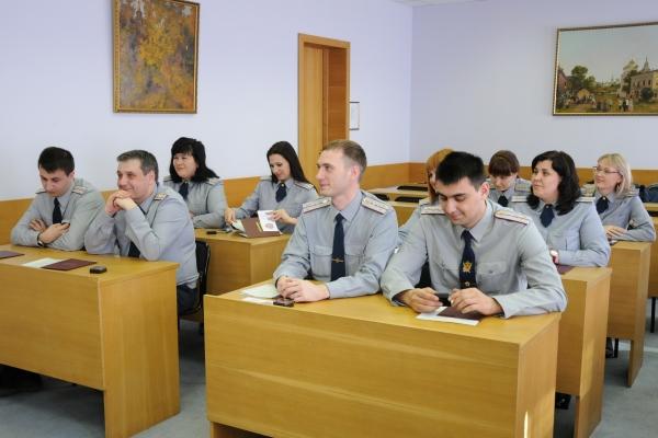 На факультете повышения квалификации проведена итоговая аттестация и организован торжественный выпуск слушателей курсов профессиональной переподготовки