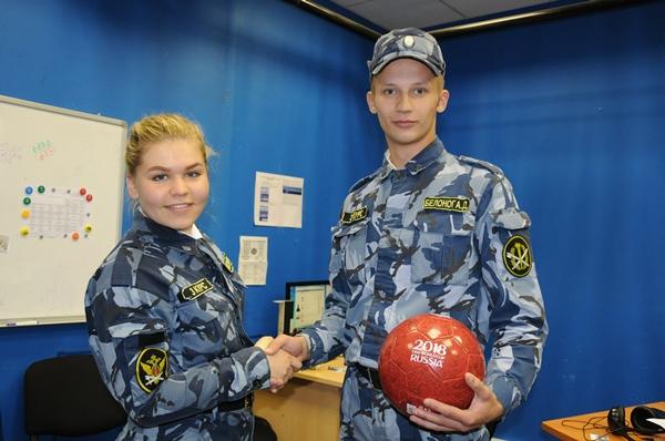 Обладателем главного приза викторины, футбольного мяча с официальной символикой чемпионата мира, стал курсант третьего курса Аркадий Белоног