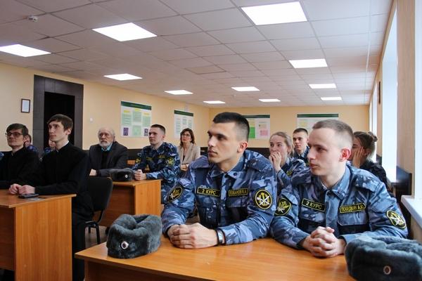 Гостями встречи стали студенты Вологодской духовной семинарии, а также краеведы и историки города