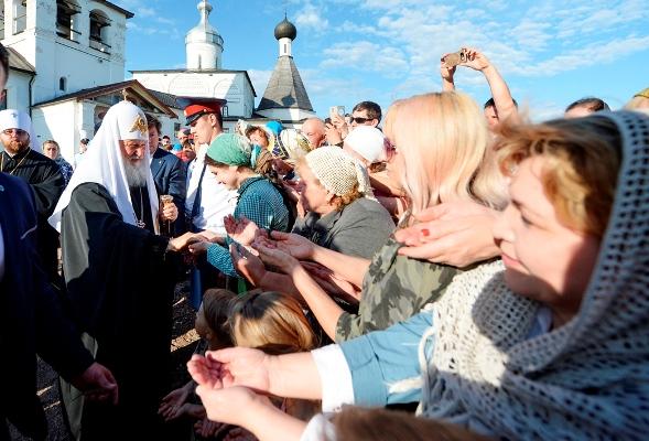 Курсанты и сотрудники вместе с другими православными в минувшие выходные побывали в Кирилло-Белозерском и Ферапонтовом монастырях, помолились за Литургией на Соборной площади Вологды, где собрались более 12 тысяч верующих