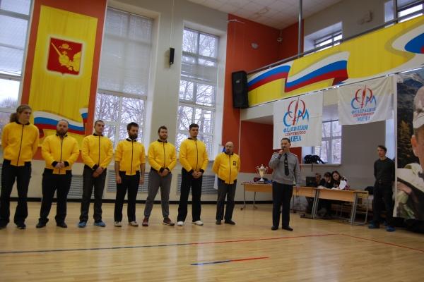С приветственным словом к спортсменам обратился заместитель начальника ВИПЭ ФСИН России Сергей Ковалев