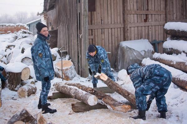 Руководство института вместе с курсантами в середине декабря посетили монастырь, пообщались с монахами, узнали историю обители, а также обсудили план дальнейшей работы