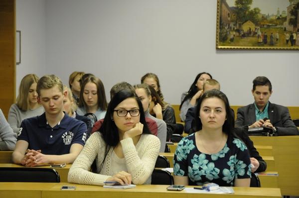 В организационный комитет конкурса поступило свыше 30 заявок курсантов и студентов