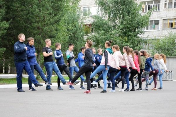 Юноши и девушки, поступившие в профильные классы УФСИН России по Вологодской области, начали подготовку к торжественной церемонии принятия Клятвы кадета