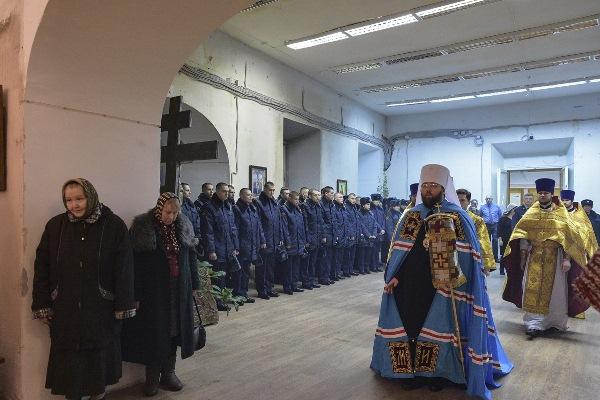 В Воскресенском кафедральном соборе митрополит Игнатий совершил Божественную литургию