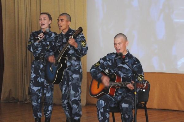 В актовом зале Вологодского института права и экономики ФСИН России состоялся концерт «Алло, мы ищем таланты!»