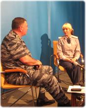 Курсант берет интервью у начальника института С.В. Бабурина