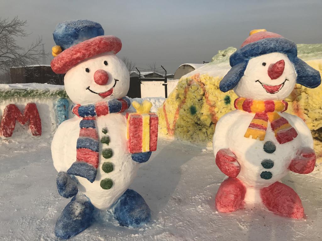 В учреждениях УИС традиционно проводится конкурс на «Лучшую снежную (ледяную) фигуру», выполненную осужденными