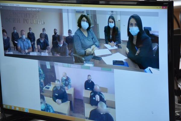 Консультанты юридической клиники Кузбасского института ФСИН России приняли участие в расширенной правовой консультации осужденных ЛИУ-16