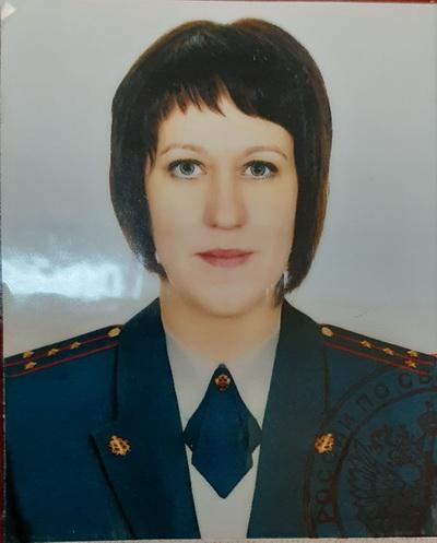 Сотрудник филиала УИИ ГУФСИН России по Свердловской области спасла мужчину, пытавшегося спрыгнуть с моста