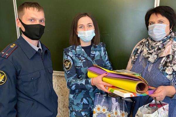 Сотрудники исправительных колоний УФСИН России по Республике Мордовия вручили подарки детям из социально-реабилитационного центра