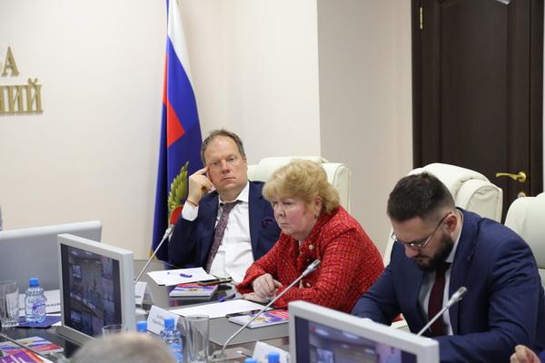 Руководство ФСИН России совместно с Общественной палатой Российской Федерации в «Прямом разговоре» с ОНК обсудили проблемные вопросы УИС