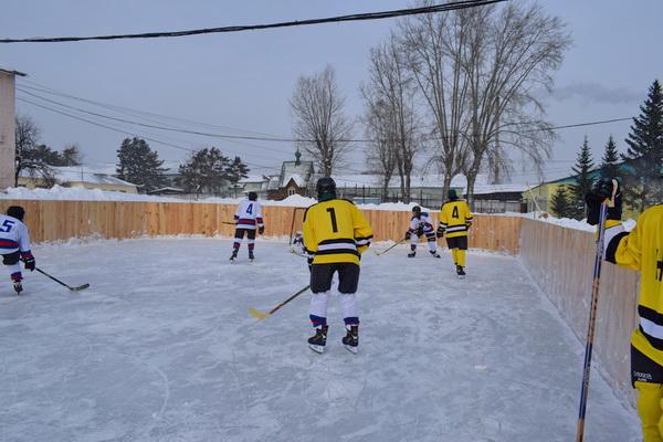 В день хоккея воспитанники Новосибирской воспитательной колонии открыли хоккейный сезон