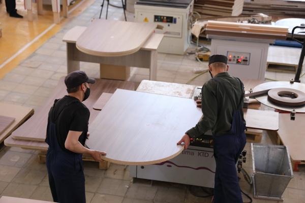 ИК-10 ГУФСИН России по Свердловской области поставит мебель для школы г. Абакана