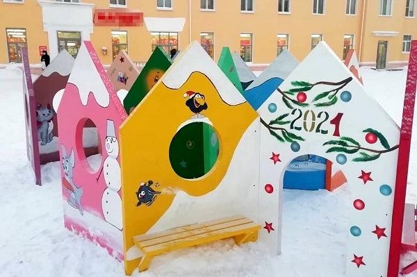 Осужденные из ИК-49 УФСИН России по Республике Коми изготовили новогодние арт-объекты для жителей Печоры